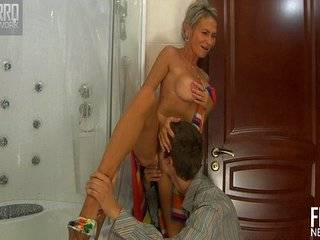 Скес порно зрелых с молодыми смотреть
