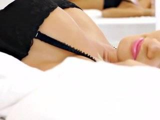Эротические видео лезбиянок