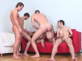 Бесплатное русское домашнее групповое порно