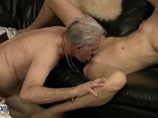 Порнуха старик в анал