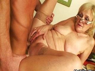 Русский внук и бабушка секс домашний