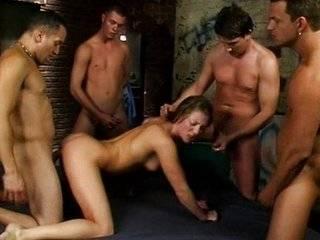 Русский групповой секс в поезде