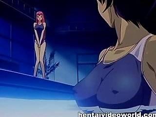 Трансексуалы в бассейне порно