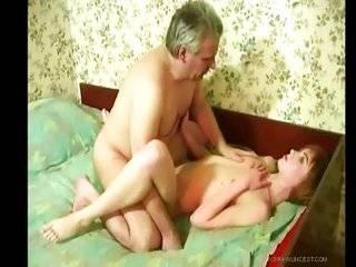 Порно видео русское папа пришел в спальню жены и дочери