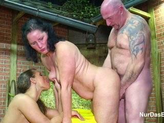 Русский секс матери и дочери отца