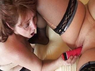 Пожилые лесбиянки скачать