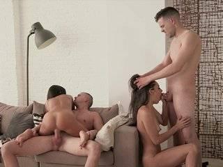 Групповой секс в кон