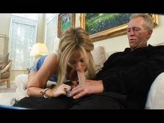 Видео дедушка трахает молодую