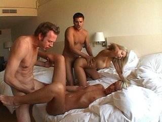 Групповой русский секс на пляже