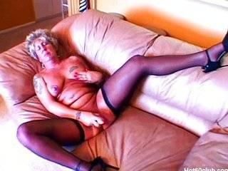 Большая жопа бабушки