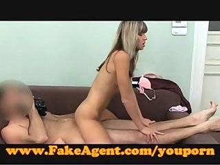Секс с молодой девственницей видео