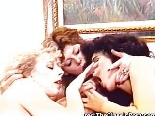 Групповой секс три член в пизду