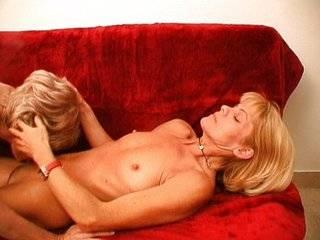 Порно бабушки лесбиянки